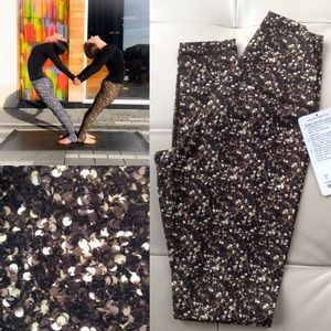 NWT Lululemon Shine Tight *Roll Down 6 Gold Sequin